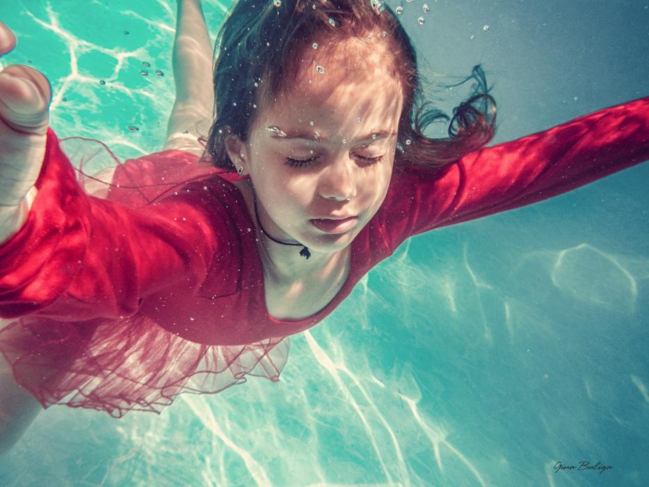 Gina Buliga Underwater Love